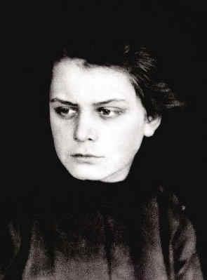 toyen-portret-1919.jpg